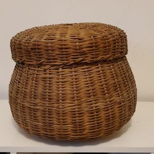 Vintage Weaved handmade Basket with cover